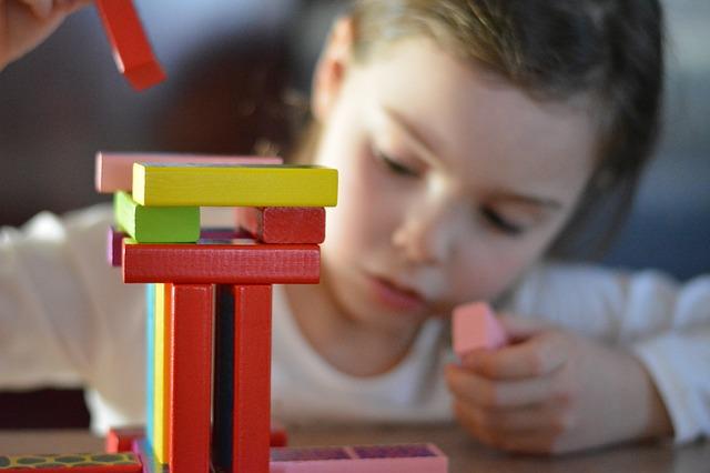 Planszówki górą – jakie gry dla dzieci wybrać?